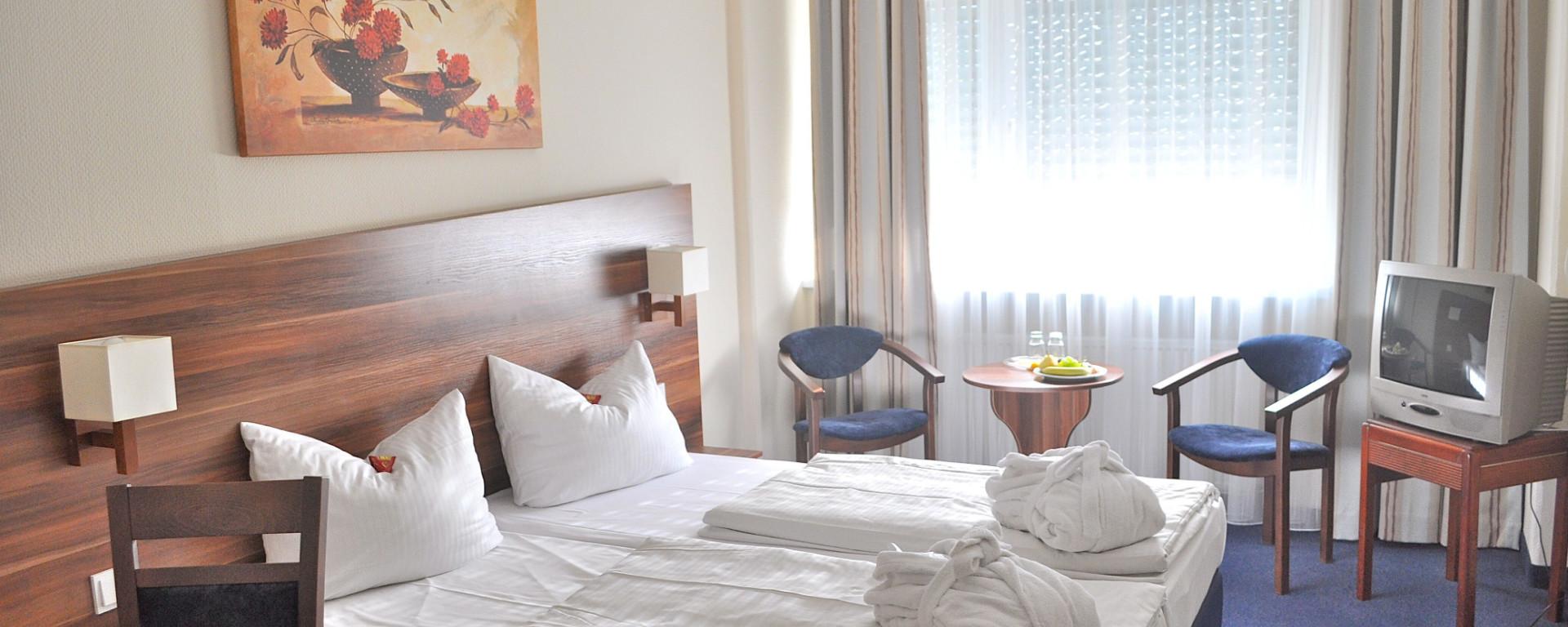 Hotel buchen - direkt und zum Bestpreis! Hotel SAVOY - Zimmer, Übernachtung, Unterkunft, Kurzurlaub, in Frankfurt am Main